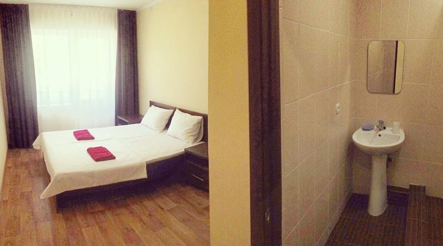 Отель «Azure DeLuxe»