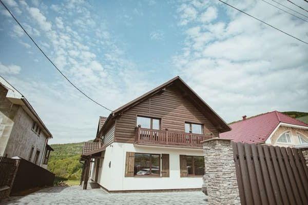 """Мини-отель """"Saliuk Lodge"""""""